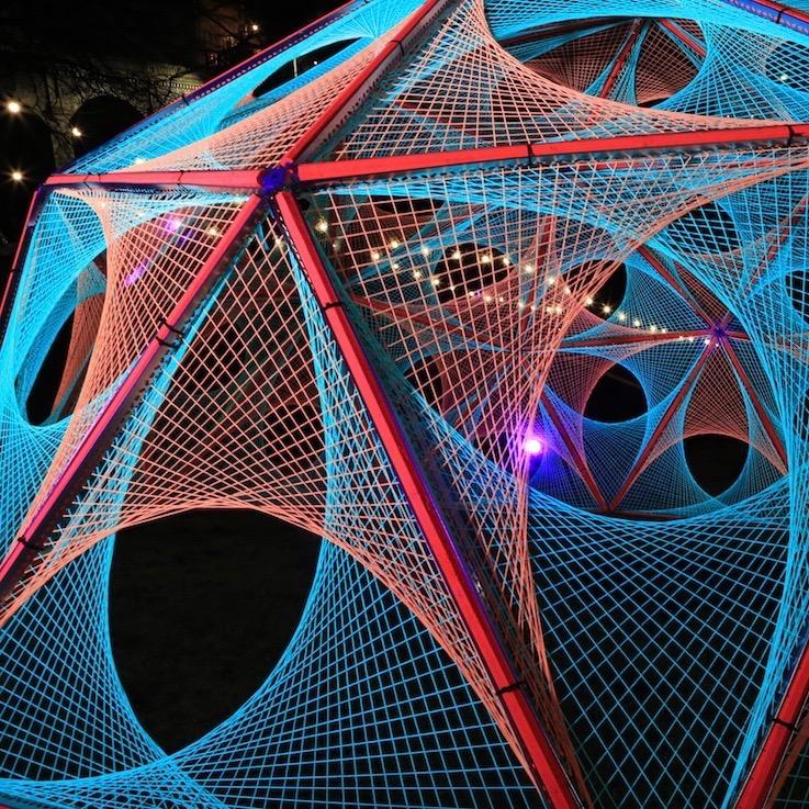 2-art-light-sculpture-black-ultra-violet-spectra-aberdeen-parabola-string 2.jpg