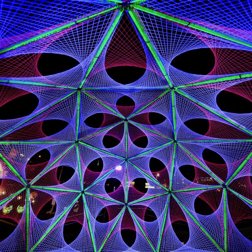 2-light-art-black-ultra-violet-parabola-spectra-aberdeen-dome-hubs.jpg