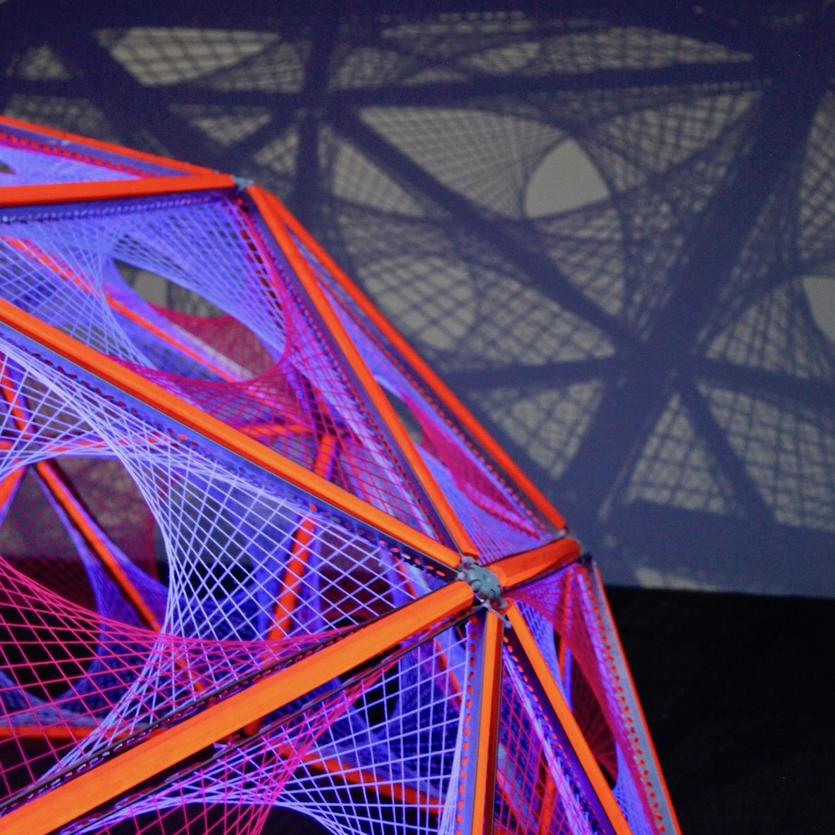 2-dome-parabola-hubs-yarn-string-ultra-violet-uv-black-spectra.jpg