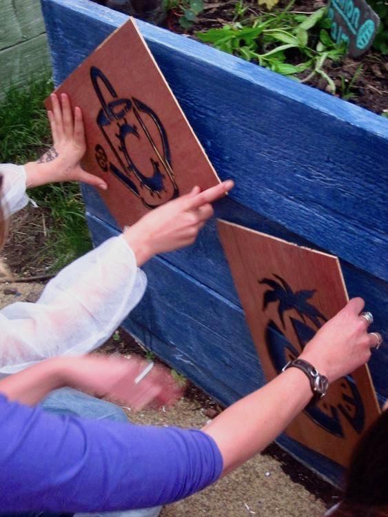 6-community-gardening-bathgate-coz-raised-beds-stencils.jpg