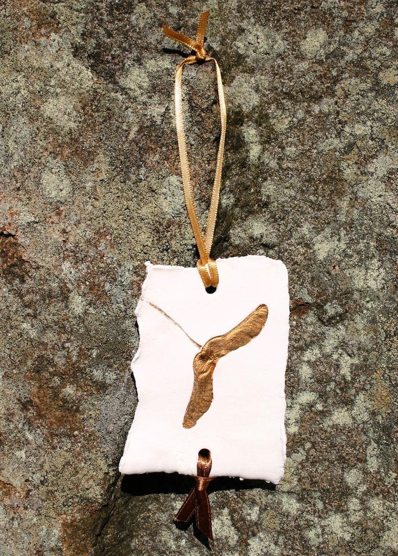 1-ceramics-porcelain-leaf-decoration-christmas.jpg