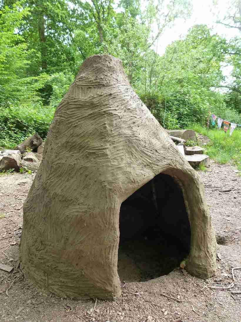 1.hannah-ayre-kiln-building-clay-ceramics.jpg