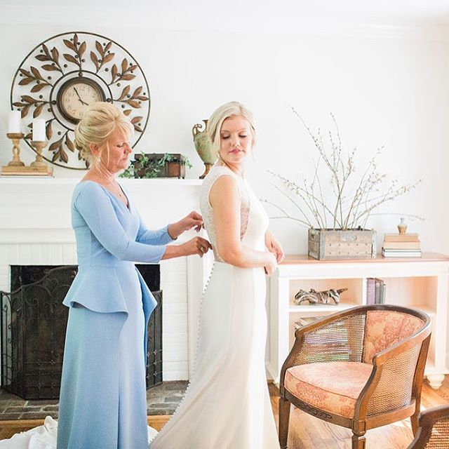 Happy Mother's Day to all the beautiful mamas out there and to all of our Mother-of-the-Brides! We hope you had a great day celebrating with your loved ones! #thebarnatspringhouse Pc: @onawhimco . . . #visitkentucky #kentuckybride #kentuckyvenue #kentuckywedding #barnwedding #barnvenue #kentuckybarn #kentuckybride  #kywedding #kentuckyweddingphotographer #visitlex #lexingtonky #nicholasvilleky #kentuckyweddingplanner