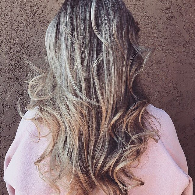 #balayage #blondebalayage #easybayhairstylist #925hairstylist #brentwoodca #downtownbrentwood #eastbaysalon #lovewhatyoudo Hair by @irunwithscissorz74