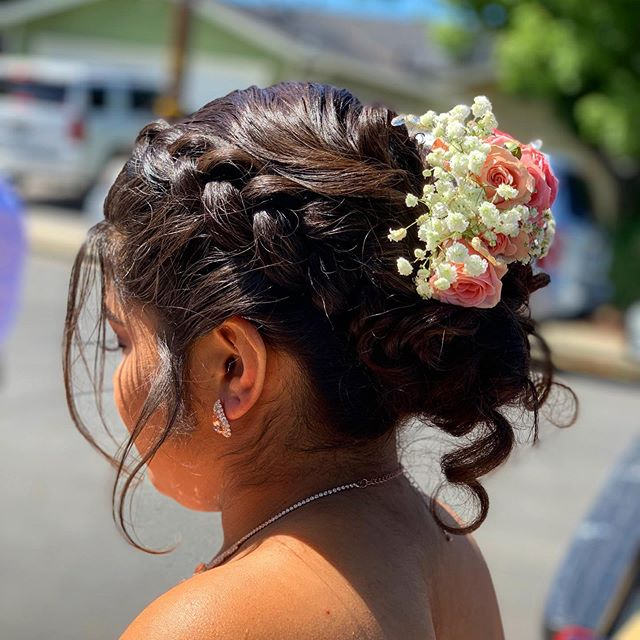 Q U I N C E 💐 #quinceañera #hairdo #updo #braids #beauty #beautifulhair #bayareamua #hairart #hairstyles #hairstylist #beautiful #passion #love #art #fortheloveofhair
