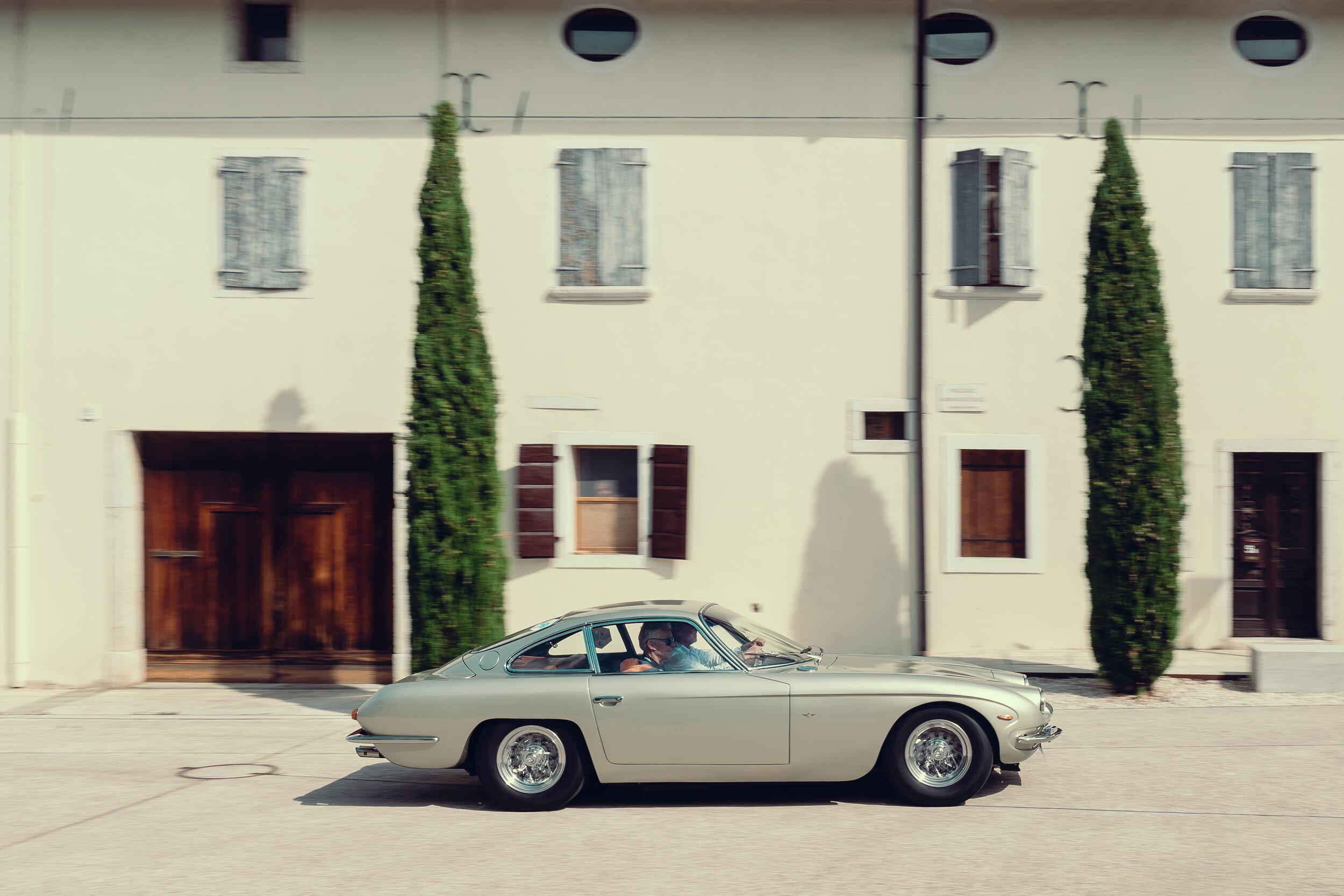 350 GT.