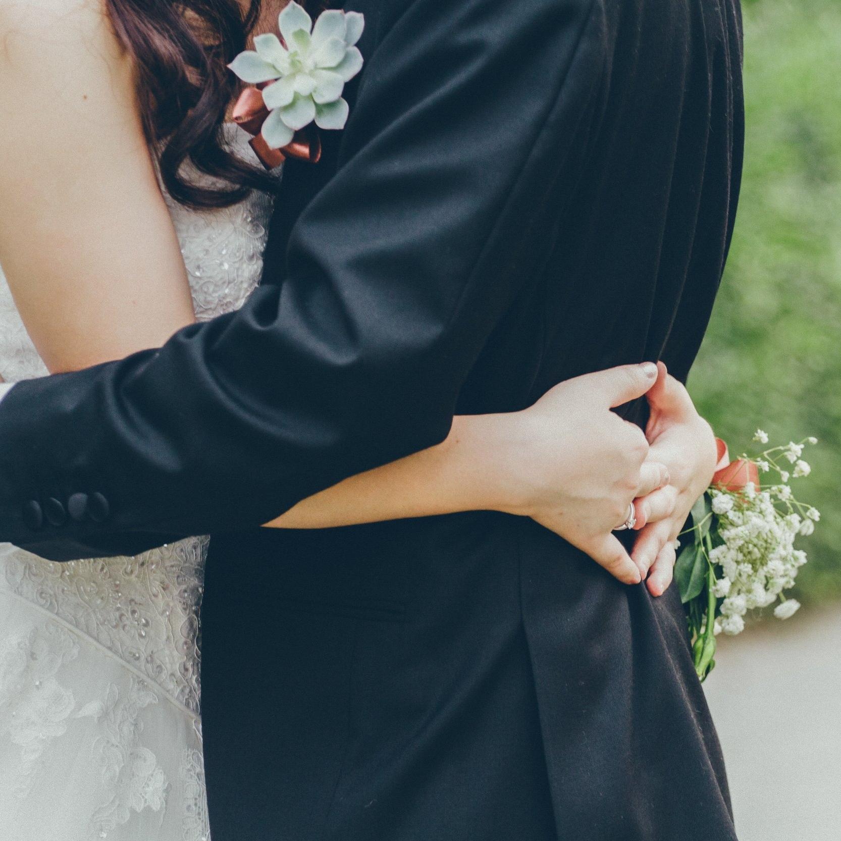 affection-blur-bridal-1023233.jpg
