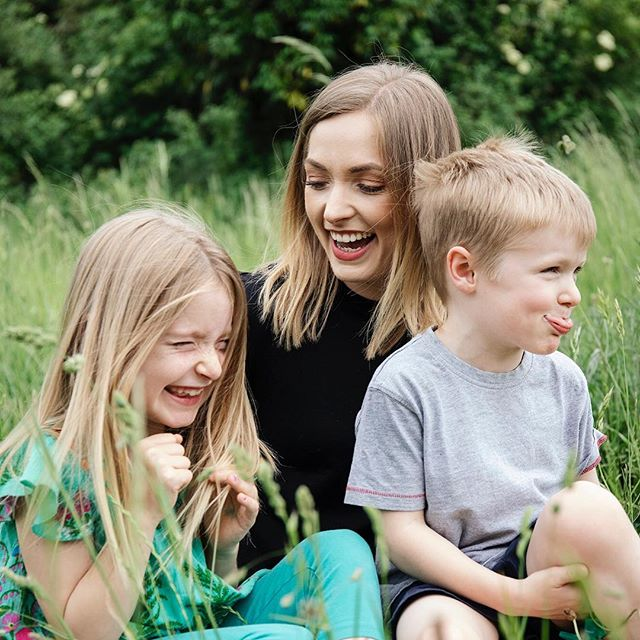 Photographing families is always so fun. Capturing the personalities of children works perfectly when you just allow them to have fun and don't direct them 🤗 . £150 for a 2 hour photo shoot in a location of your choice! . #kentcreative #kentphotography #tunbridgewellsbusiness #tunbridgewellsphotographer #kentfamilyphotographer #familyphotoshoot #kentcountryside #tunbridgewellsmums #tonbridgemums