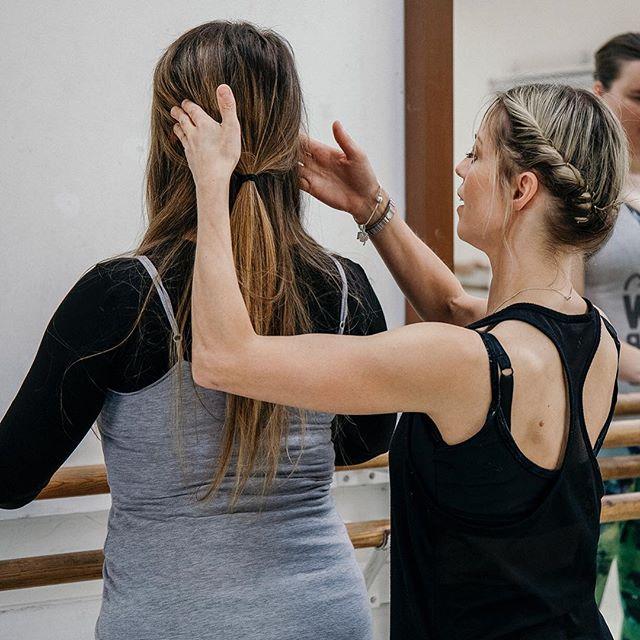 A few more action shots of the ballet class I documented held by @royalacademyofdance for @hermovemag 📸 . #kentcreative #kentbusiness #tunbridgewells #tunbridgewellsmums #royaltunbridgewells #tunbridgewellsevents #tunbridgewellsbusiness #mytunbridgewells #tonbridgebusiness #tunbridgewellsphotographer
