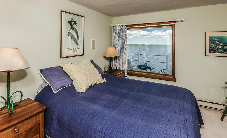 bedroom-mattapoisett.jpg