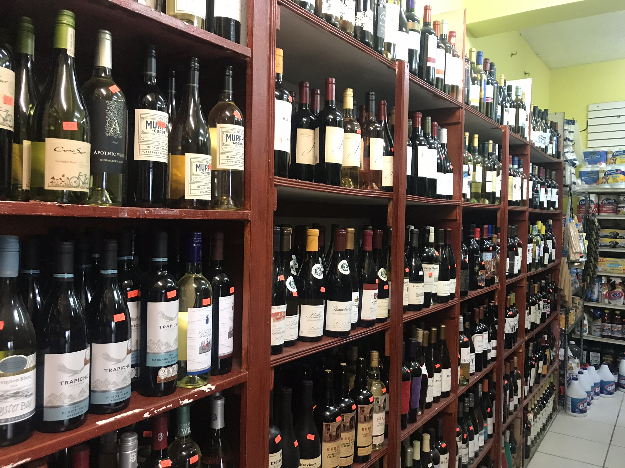 wine-selection-calabash-market-st-john.jpg