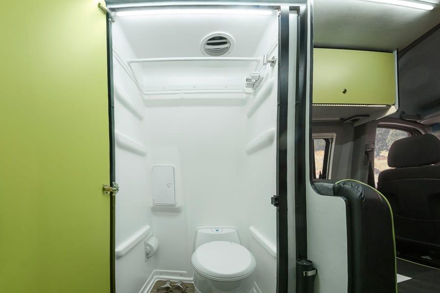 rv-bath-18.jpg