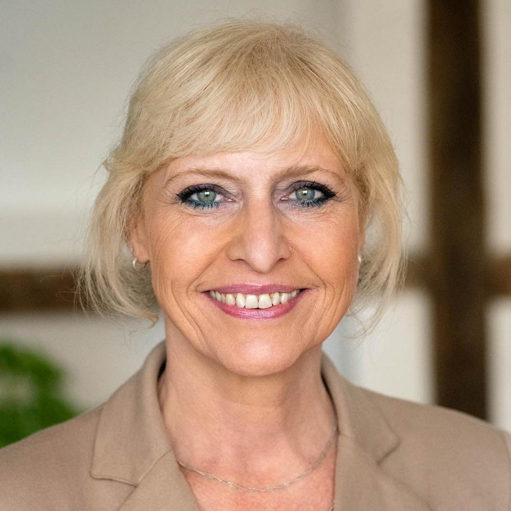 Marina Schmidt - Finanzbuchhalterin