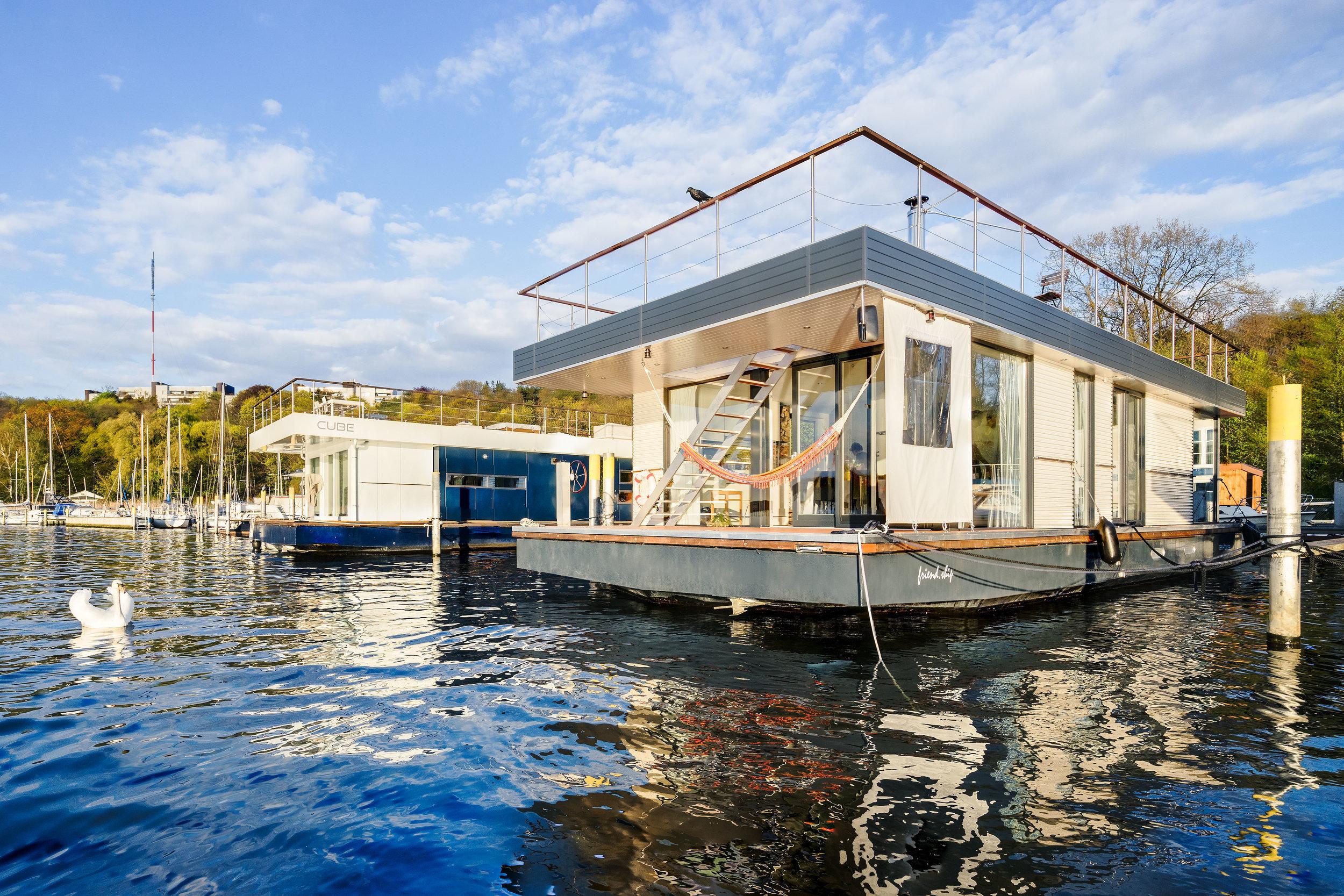 Hausboot_Ansicht_1.jpg