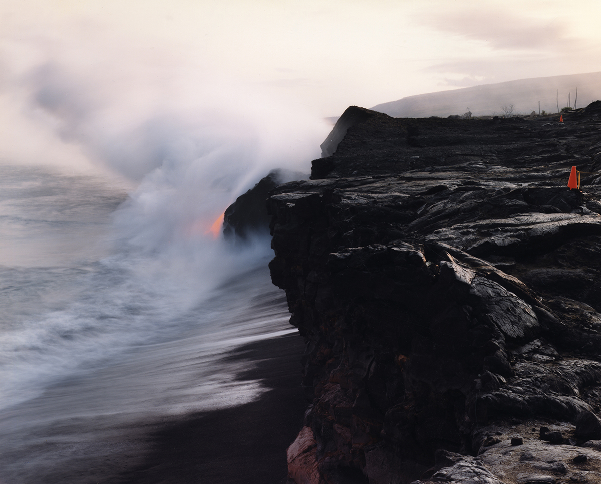 Lava+Flowing,+Hawaii.jpg