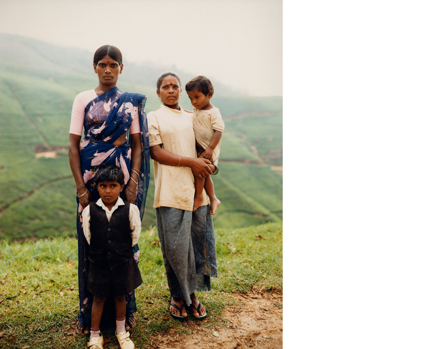 Saraswathie,+her+sister,+and+her+children.jpg