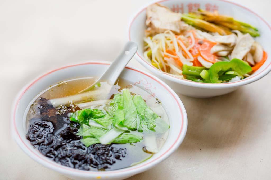 Wセット=海苔の澄まし汁+野菜丼 (たんめん)