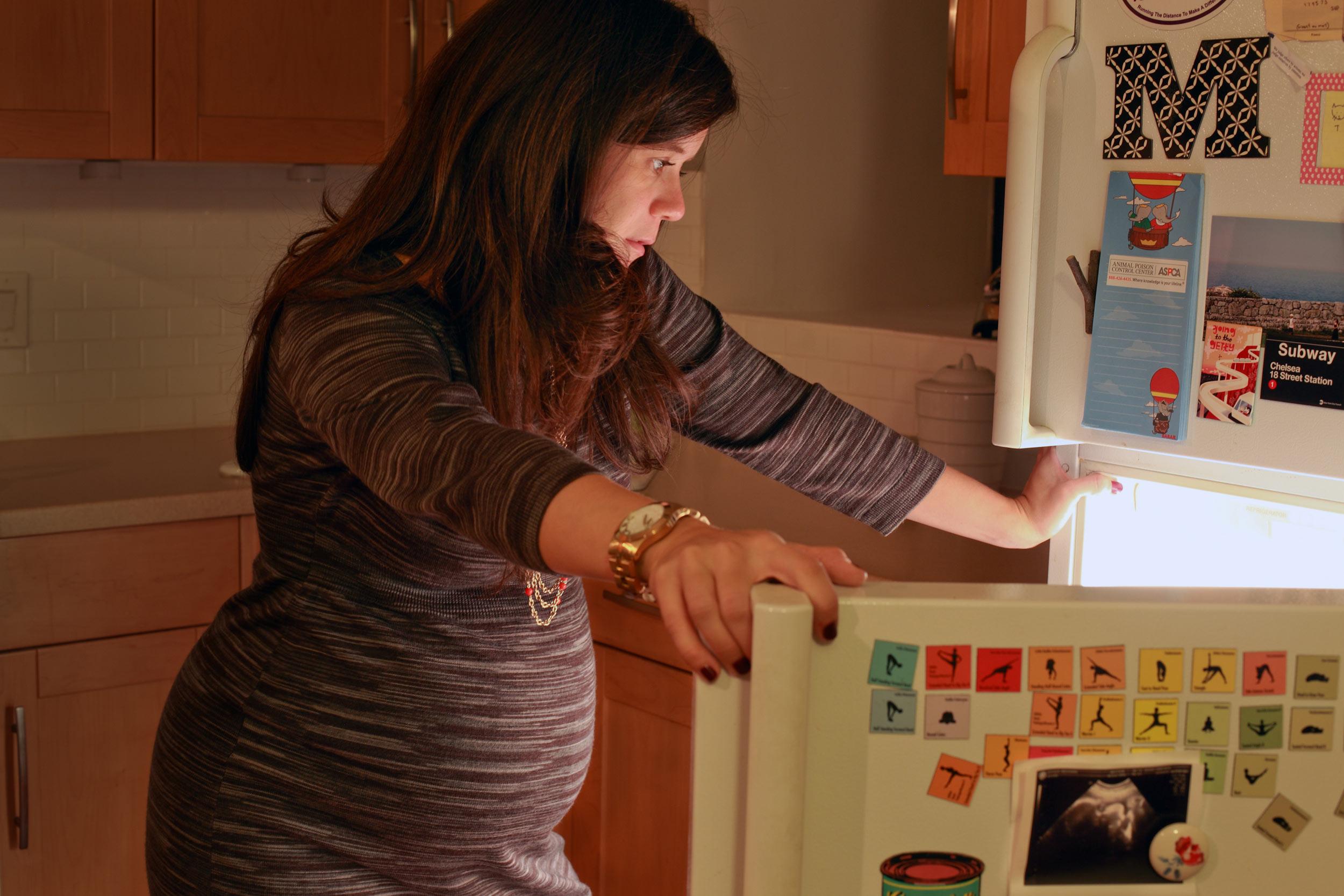 showing-slideshow-refrigerator-tony-gonzalez.jpg