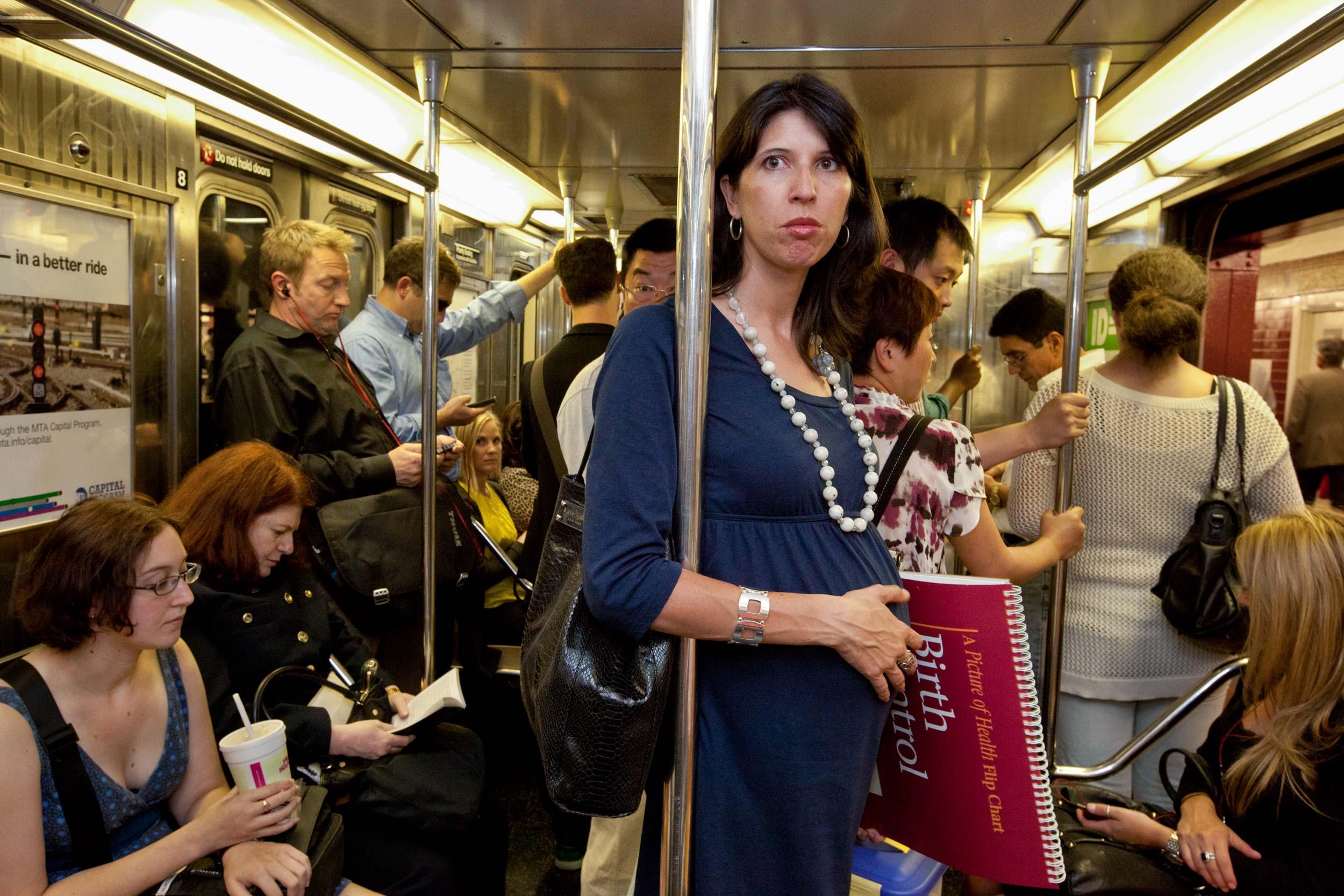showing-slideshow-subway-lori-grinker.jpg