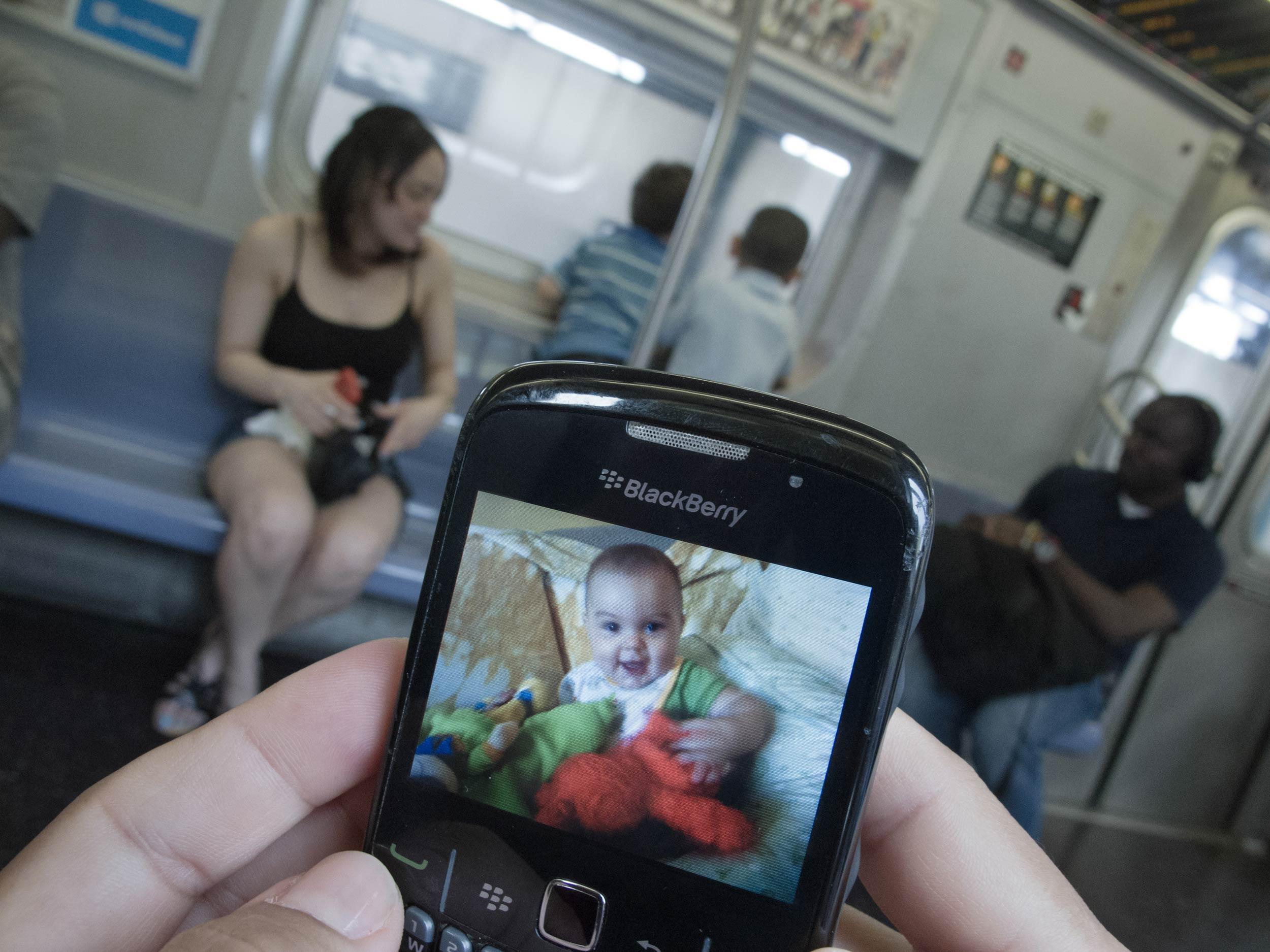 showing-slideshow-subway-sylvia-plachy.jpg