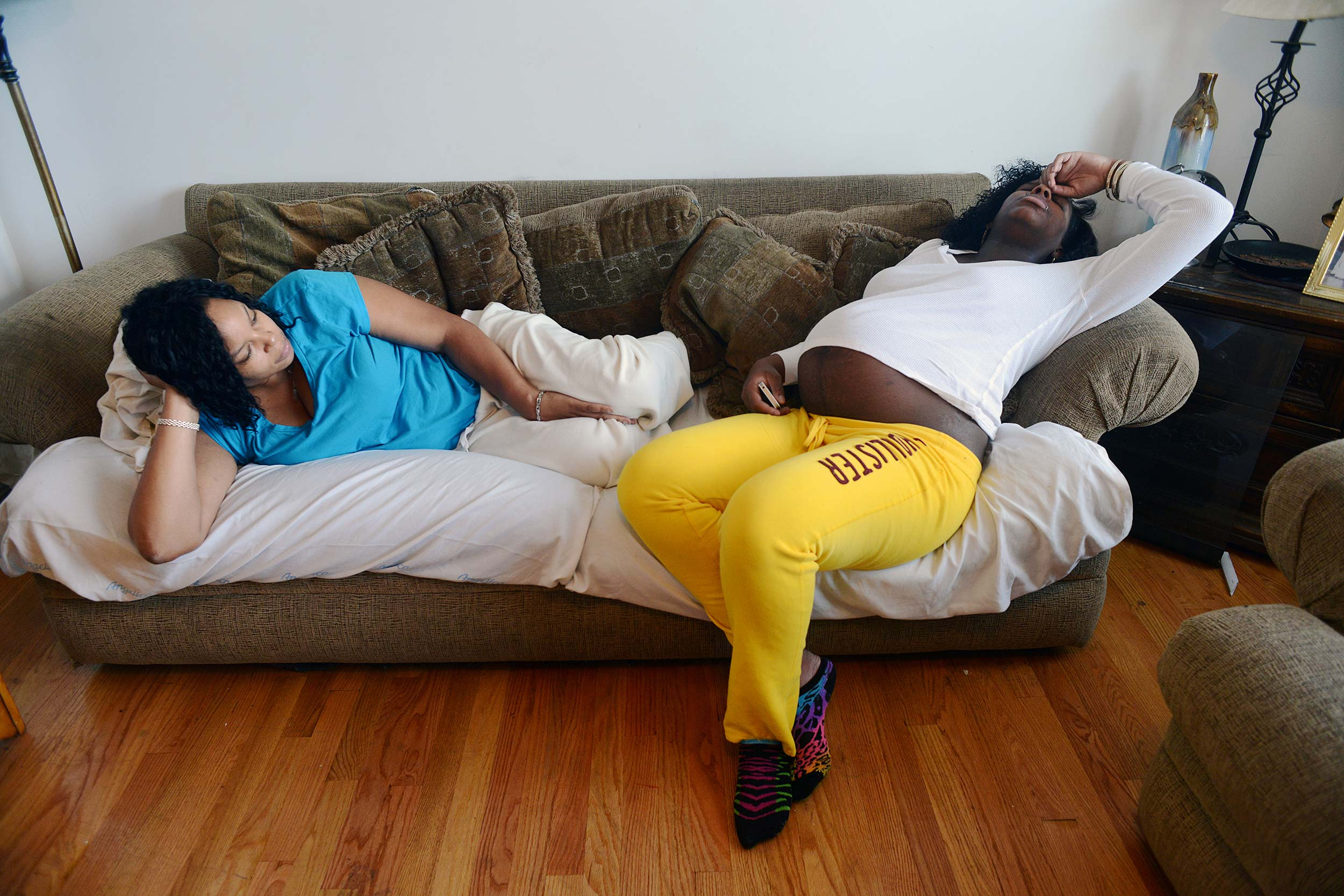 showing-slideshow-sofa-rania-matar.jpg