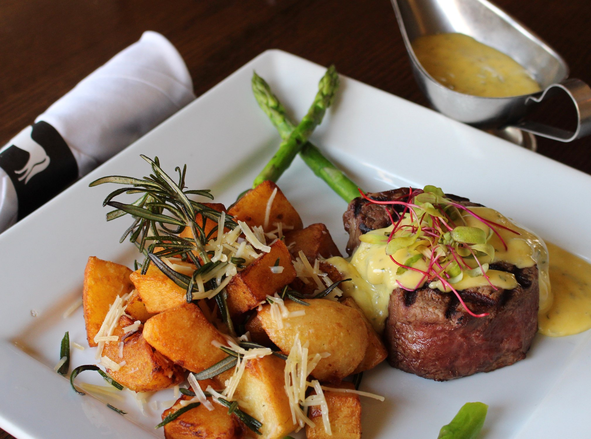 Steak Frites Béarnaise @        White Horse Country Pub & Restaurant    - New Preston, Connecticut