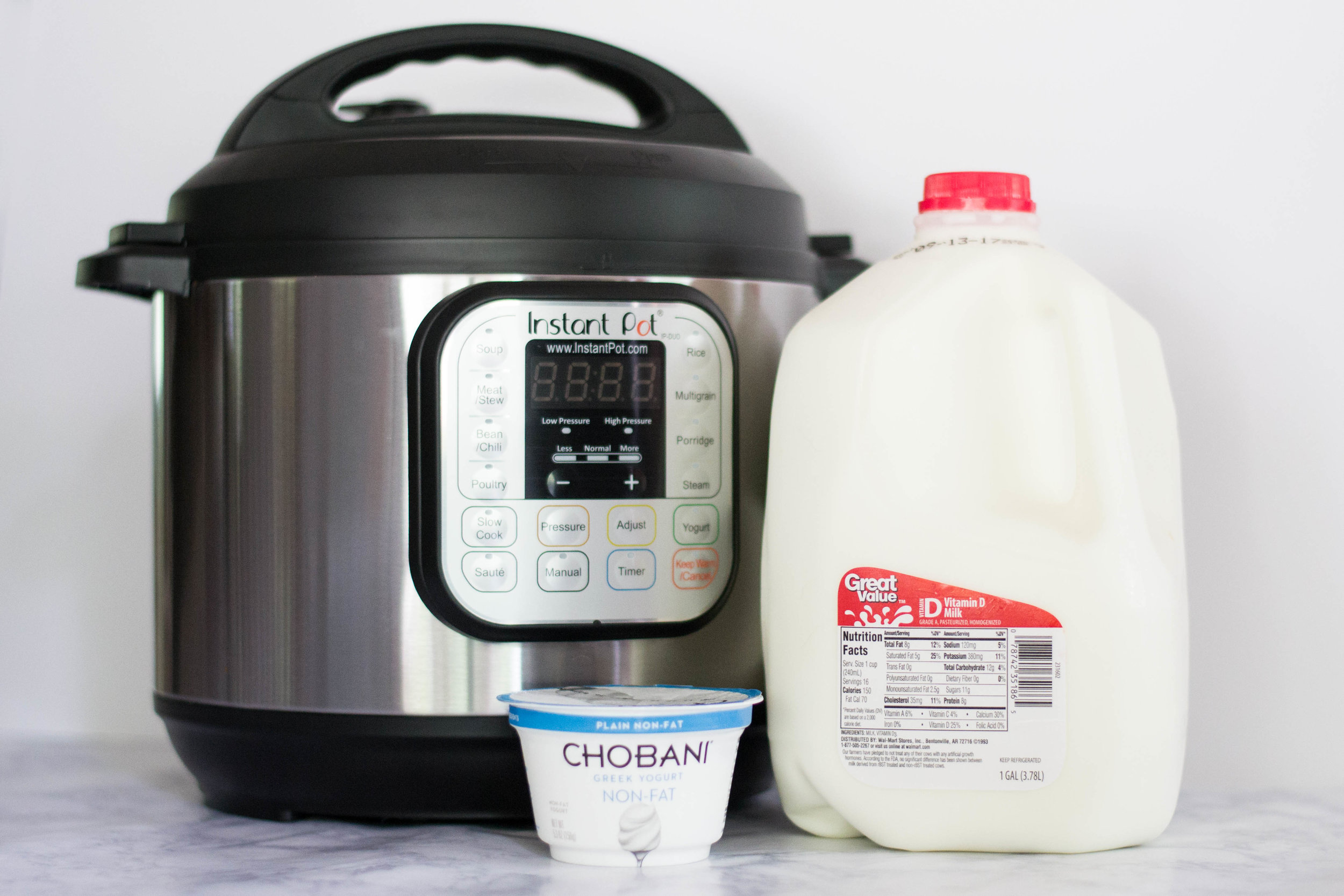 How to make yogurt in an Instant Pot || by Hayley Fiser || thehayleyfiser.com