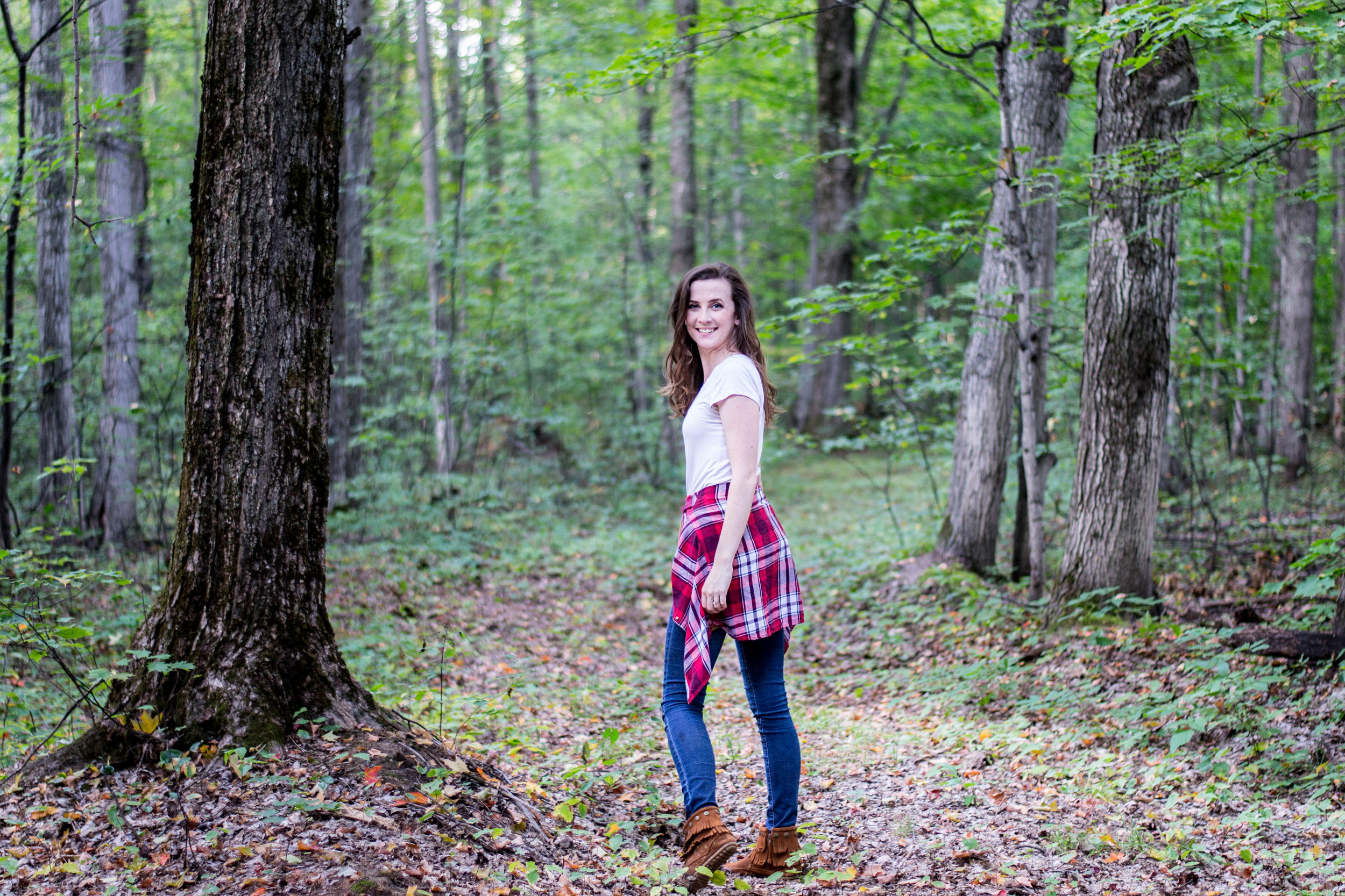 Fall in Gaylord Michigan || Fall outfit with moccasins || by Hayley Fiser at thehayleyfiser.com