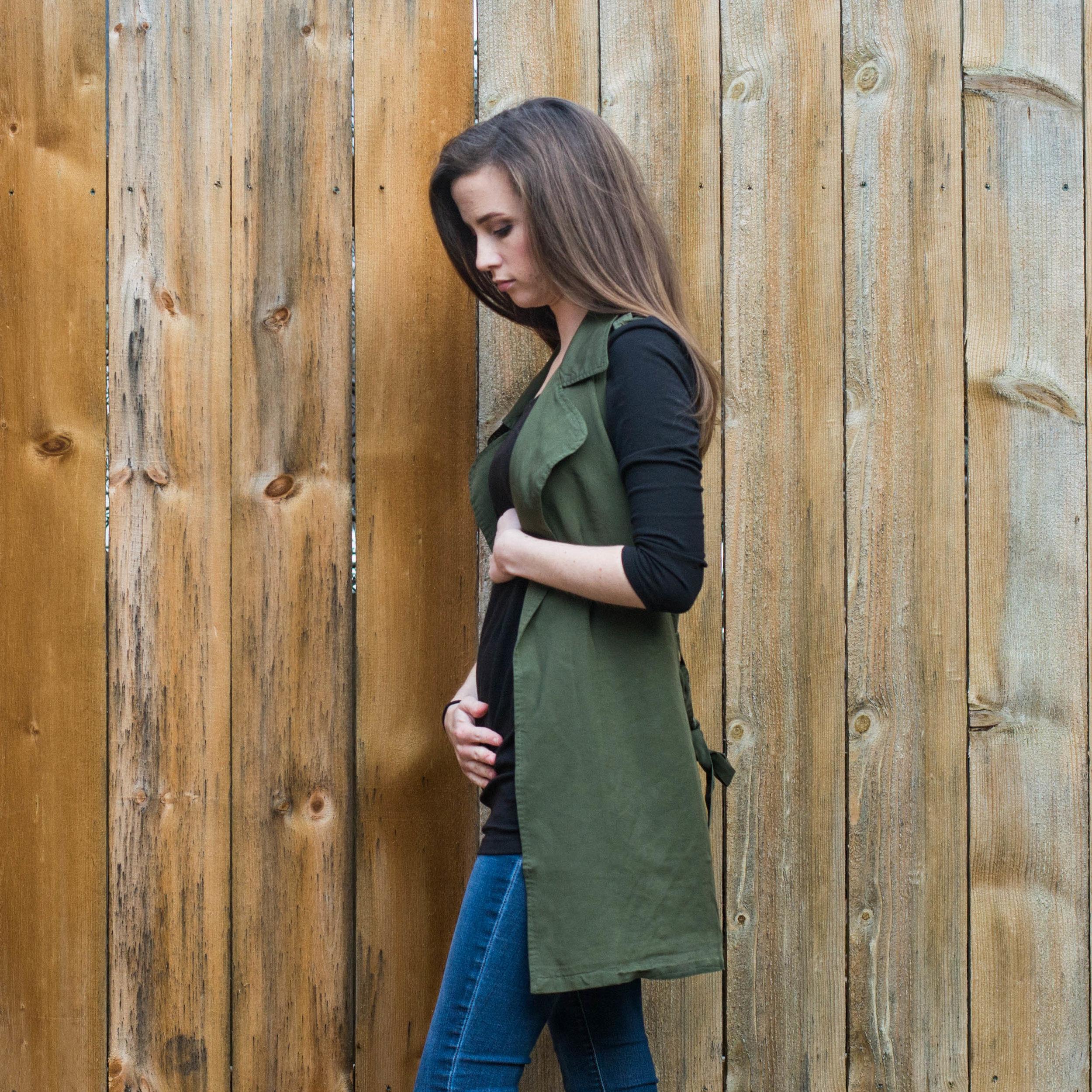Week 13 Pregnancy Bumpdate photo || Hayley Fiser || thehayleyfiser.com