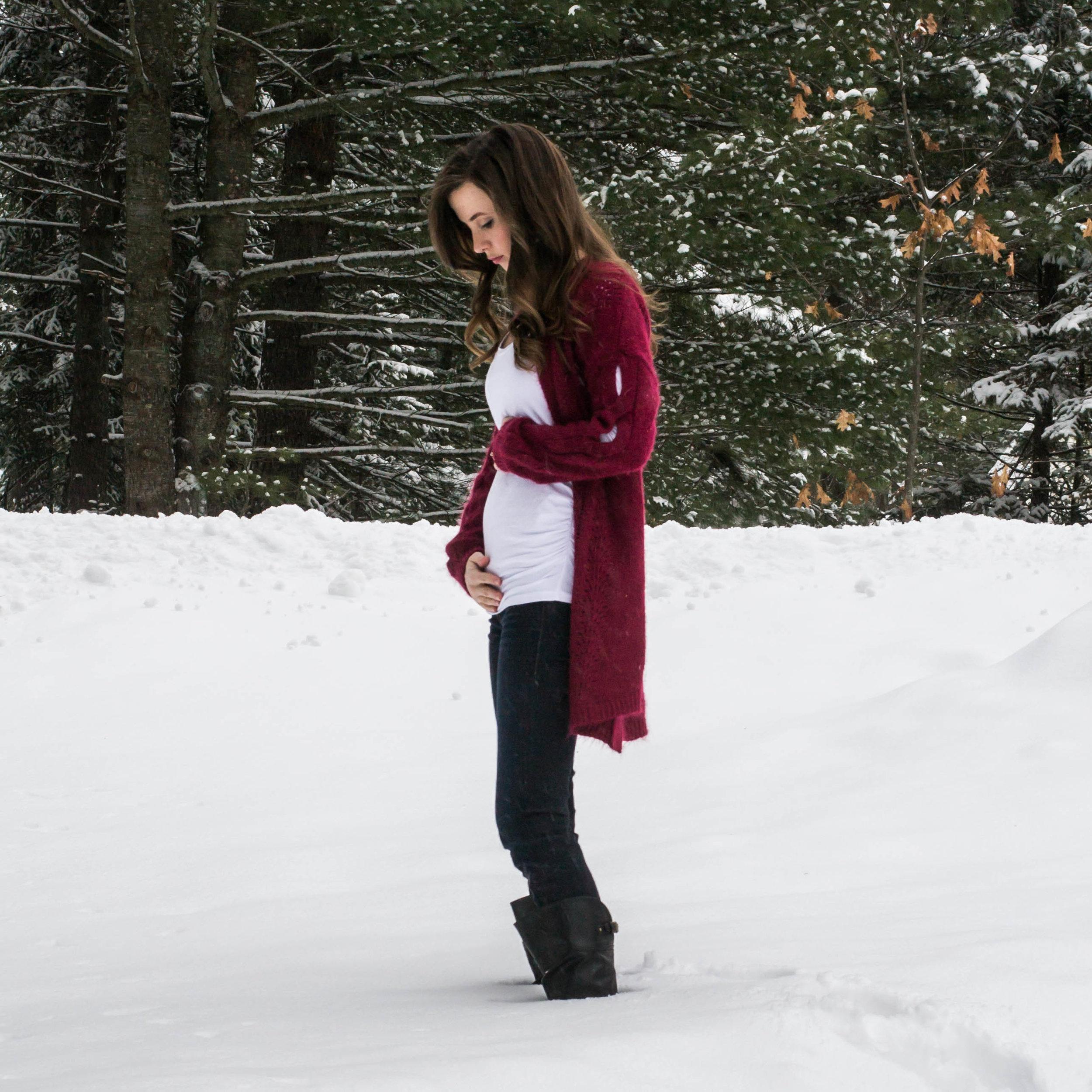 Week 16 Pregnancy Bumpdate photo    Hayley Fiser    thehayleyfiser.com