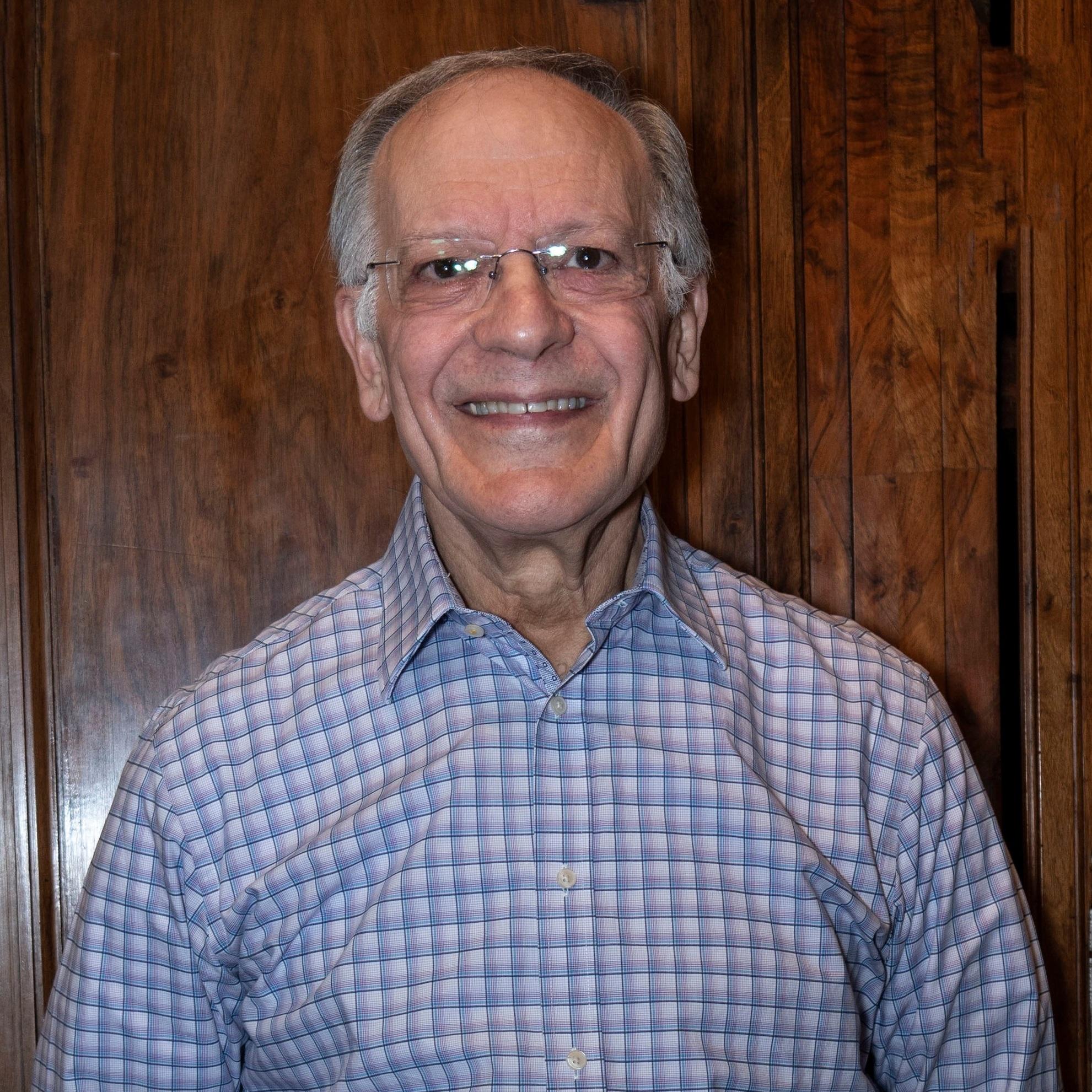 Dr. Ivor Garlick