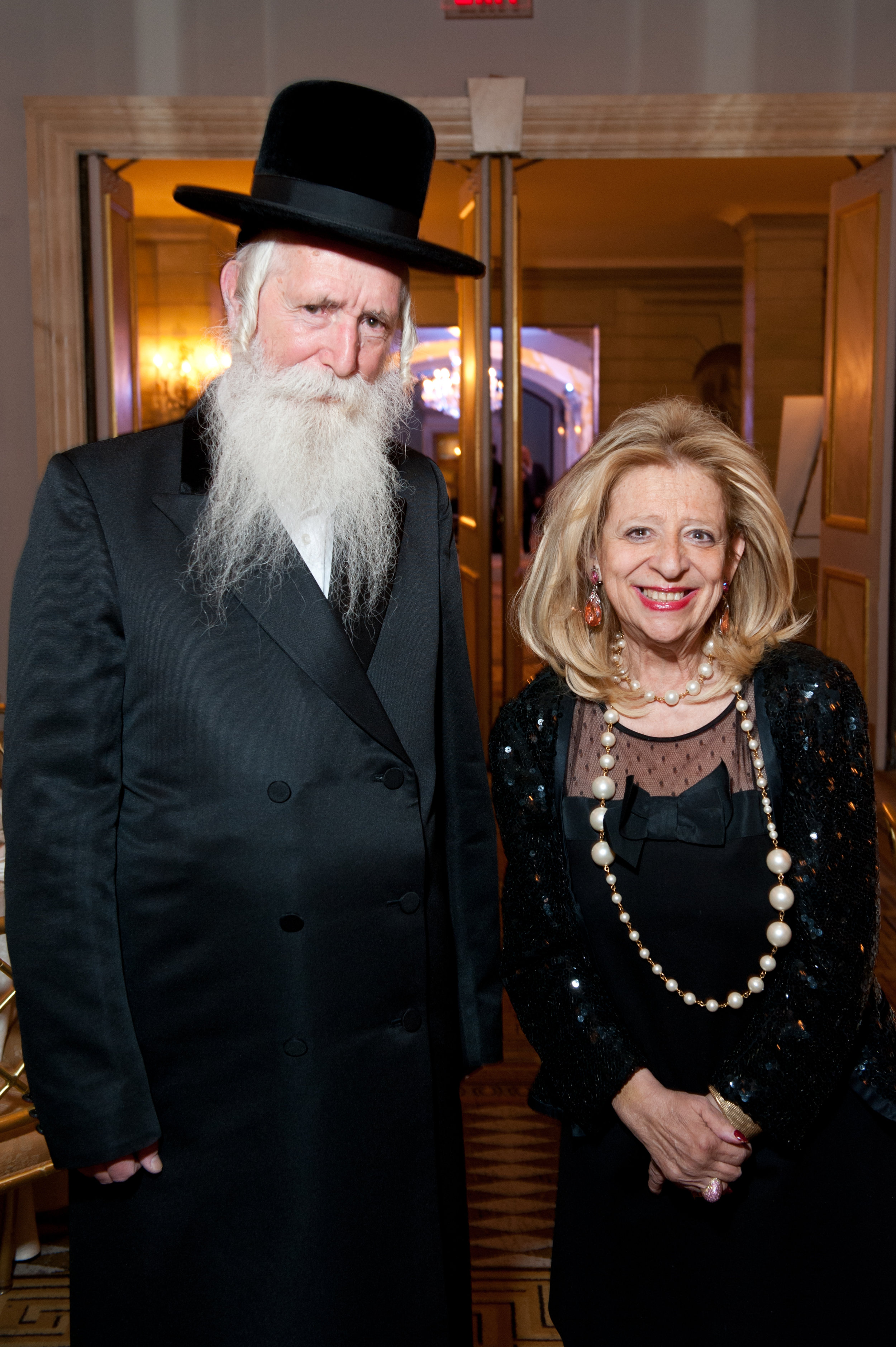 Rabbi Grossman and Chairman Naomi Hass-Perlman.jpg
