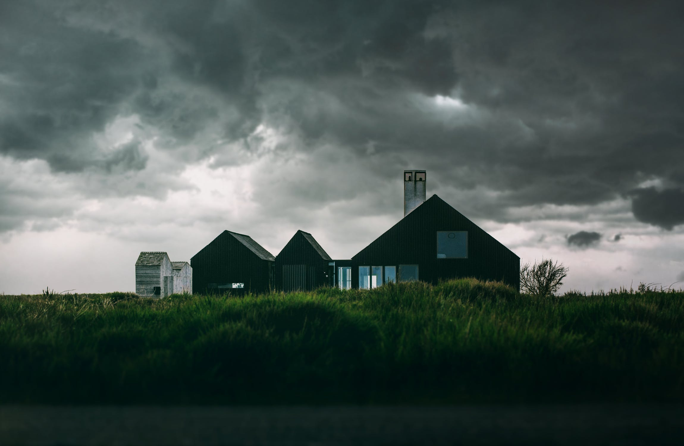 storm, homeowner, insurance policy fha usda va loan home loan mortgage lender first time home buyer clouds storm rain hail lightning natural disaster discounts