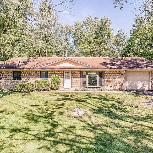 This adorable home just got an accepted offer!! I can't wait to see what my clients do with it! Looking to buy or sell? Or have questions about the process. Call/text me anytime!! 2194553084