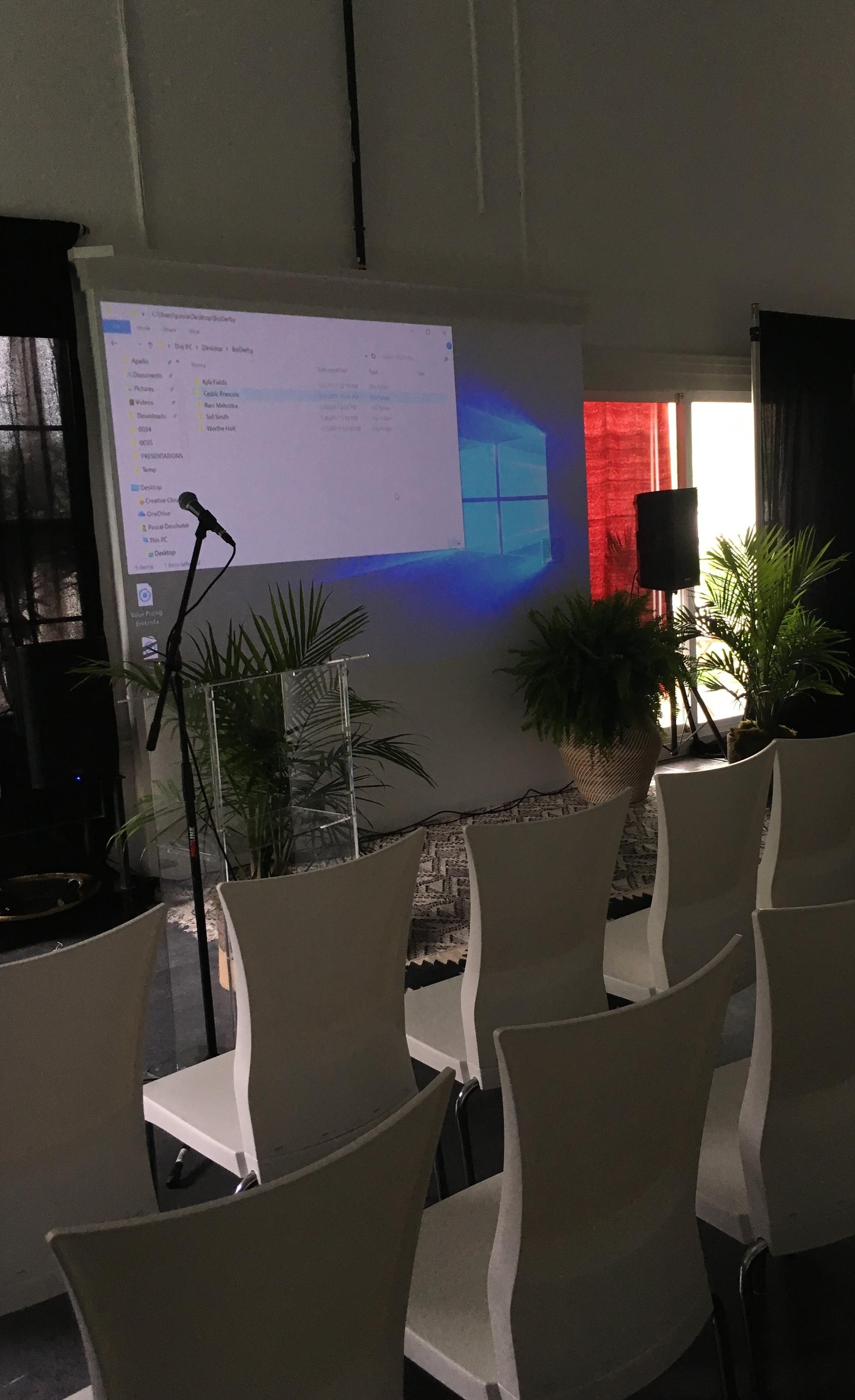 VisualDesign_Apellis_SpecialEvent_SymposiumFood.jpg