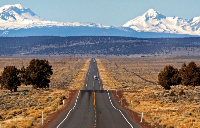 Cascades_road.jpg