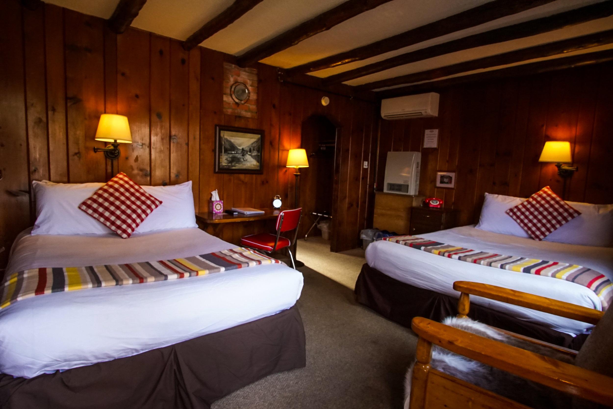 bunkhouse queen - 1 Queen 1 Full Bed