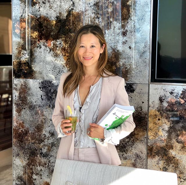 Thank you @relatedcos 🙏 for the delightful afternoon @hudsonyards with amazing food and drinks by @electriclemonnyc 😍, mindful manicures by @sundays_studio ✨, golf simulation @eligoclub 🏌️‍♀️, and dear friends @minjchoo 💖@leahjohnson__ 💖and new friends @sylwiawiesenberg 💖 . . . #nontoxicliving #nontoxichome #nontoxiclife #nontoxiclifestyle #practicalnontoxicliving #nycstyle #nycityworld #nycity #nycliving #nycrealestate #manhattanrealestate #healthyhome #homedetox #detoxyourhome #detoxyourbody #ruanliving #dearfriends #sandbox