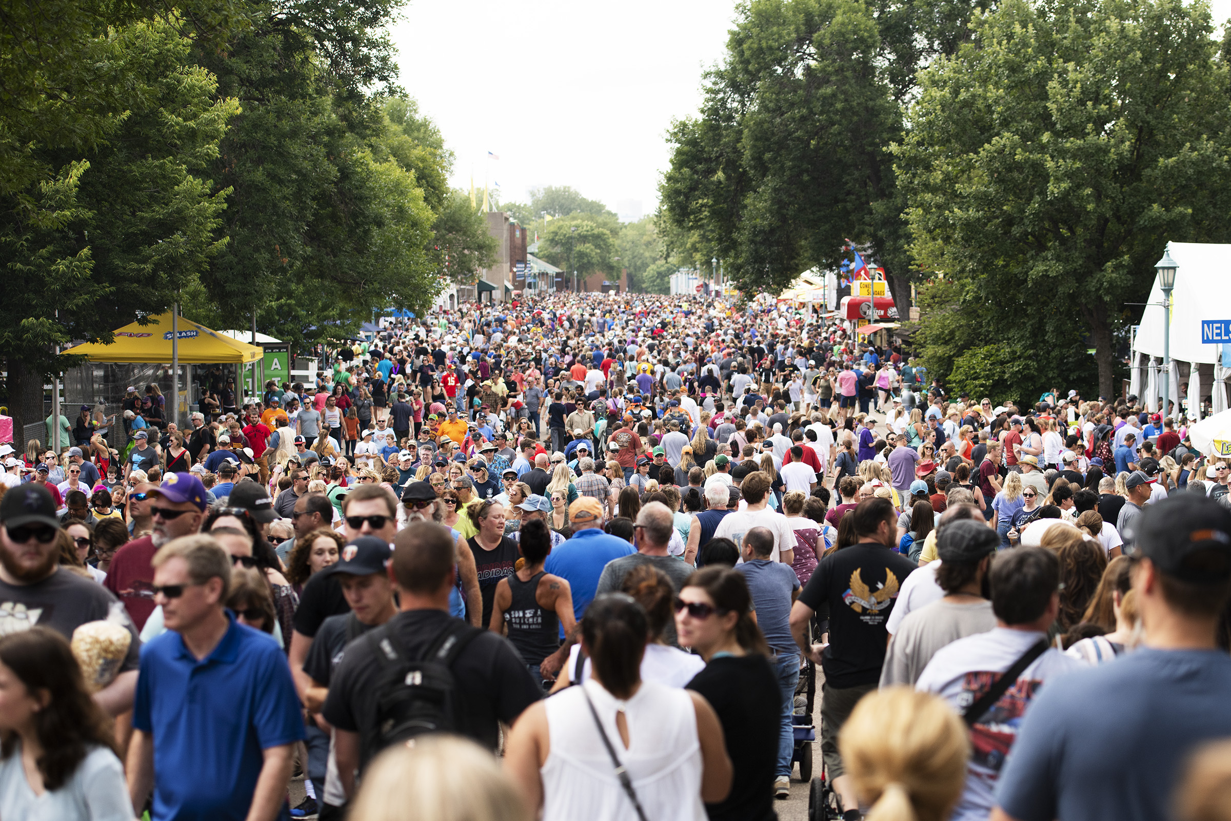 crowds001.jpg
