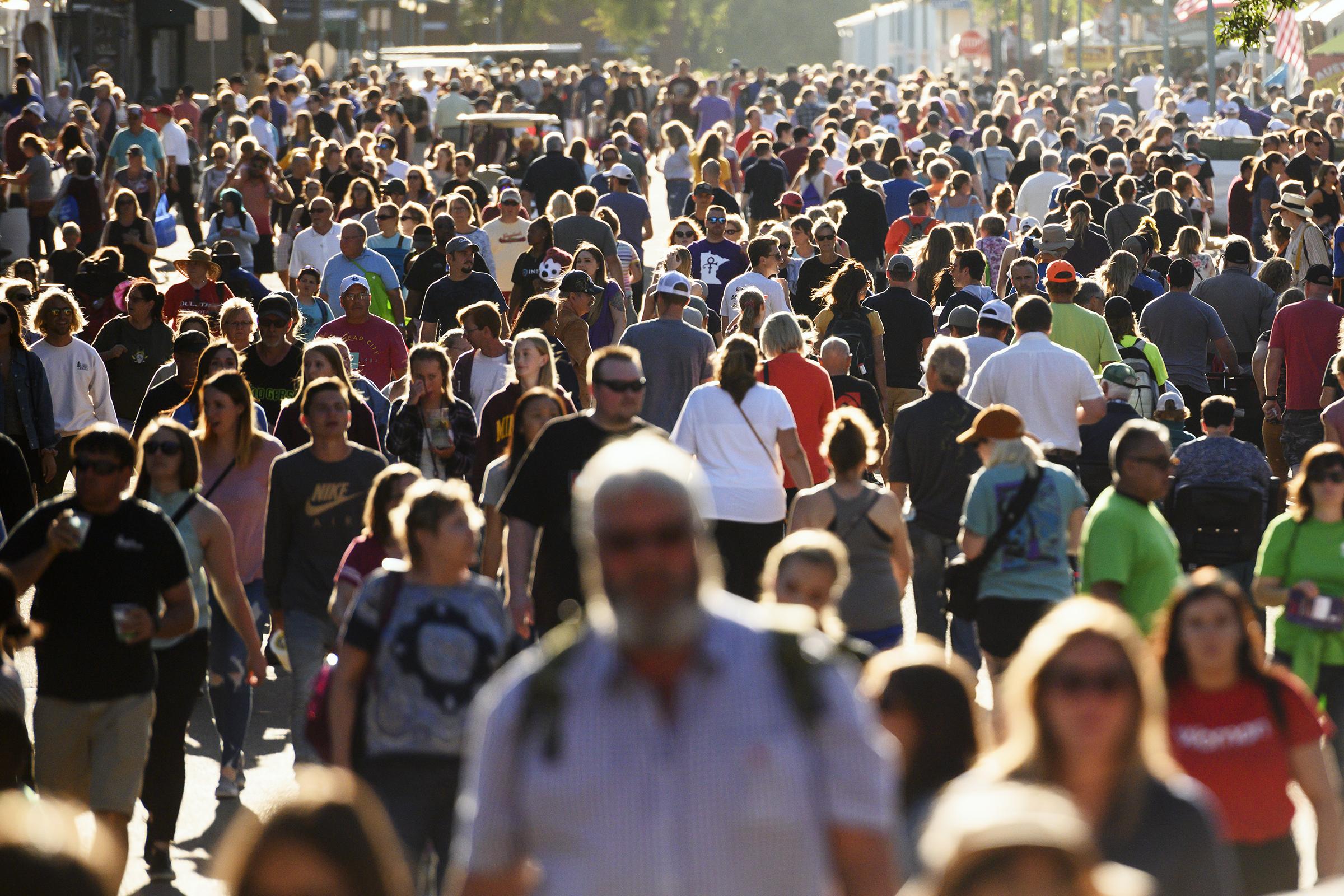 crowds002.jpg