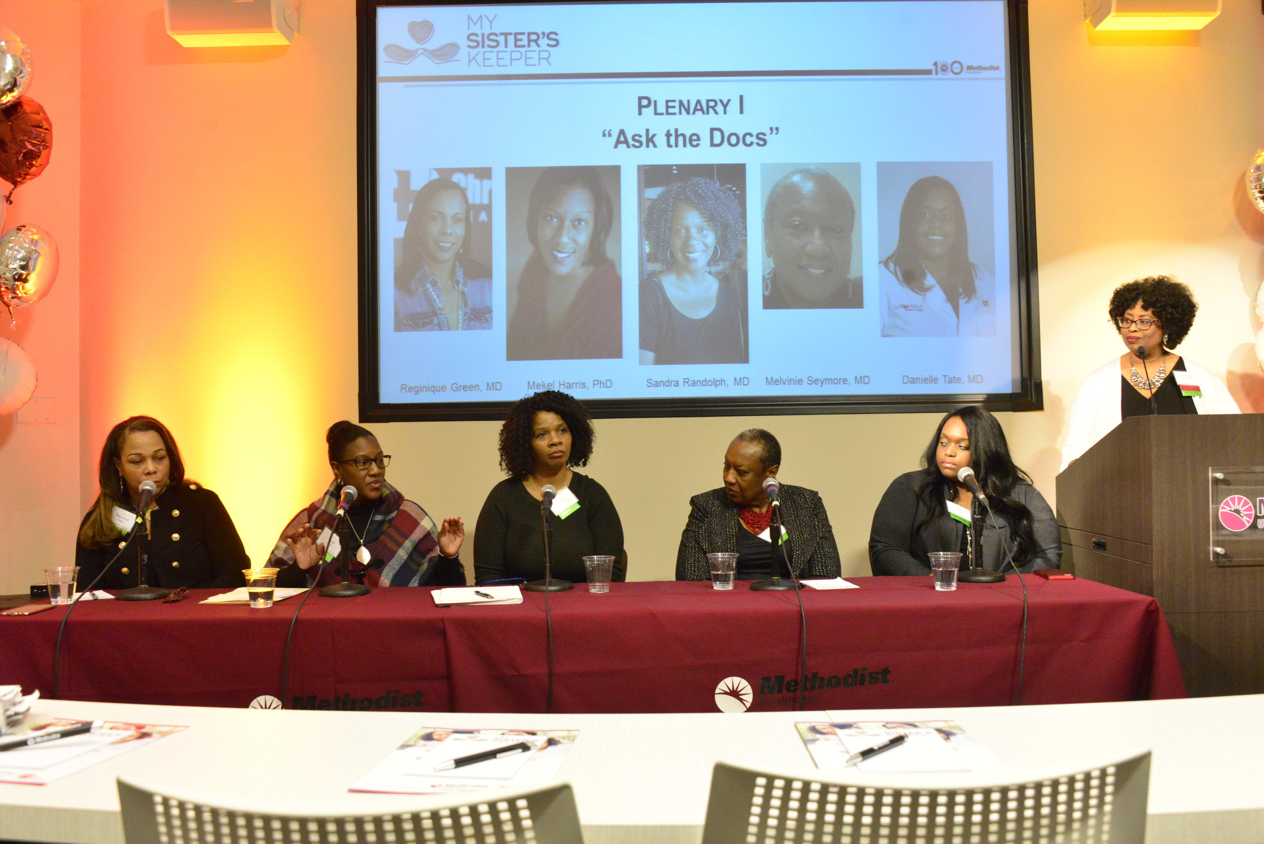"""Physicians at the """"Ask the Docs"""" panel moderated by Shantelle Leatherwood."""