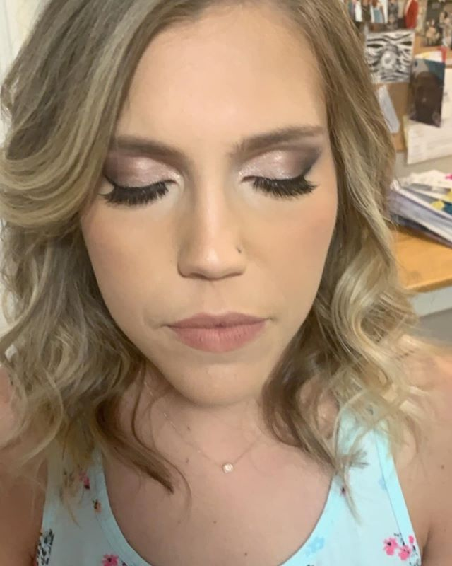 I got to glam up one of my best friends for a wedding she was attending !  She's such a treat to be around 💕 . . . #nofilter #theblessedbride #theblessedbridemua #dfwmakeup #dfwmua #dallasmua #dallasmakeup #dallashairstylist #dfwhairstylist #dfwstylist #dallasmakeupartist #romanticmakeup #sultrymakeup #wedding #weddingmakeup #weddinghair #blessedbride
