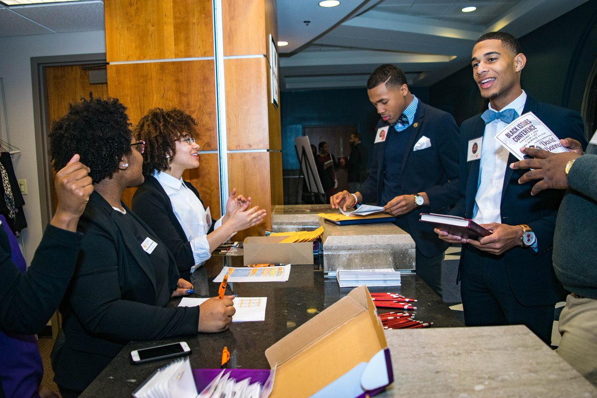 Registration at the 2017 annual Black issues conference