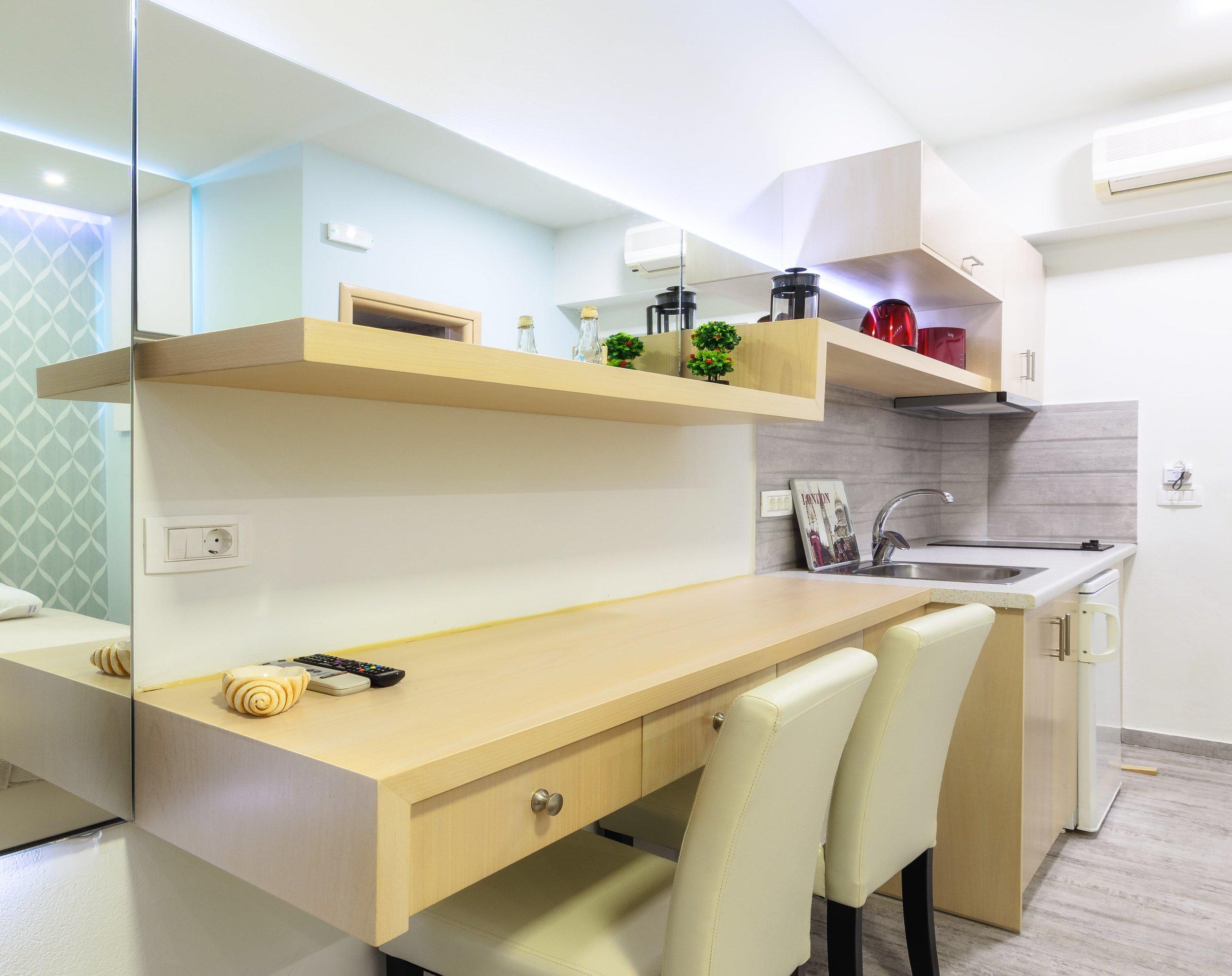08-kitchen-2-min.jpg