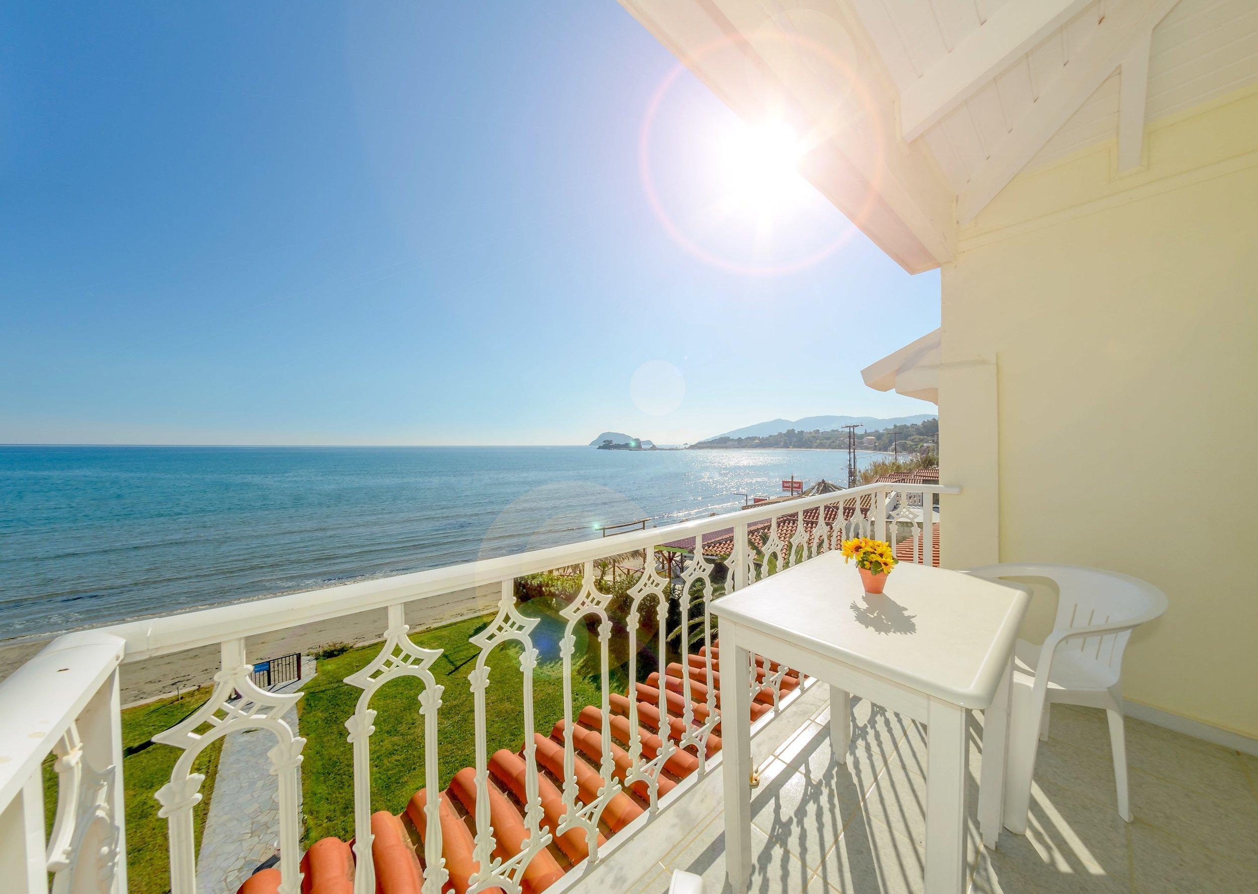 balcony-1-min.jpg