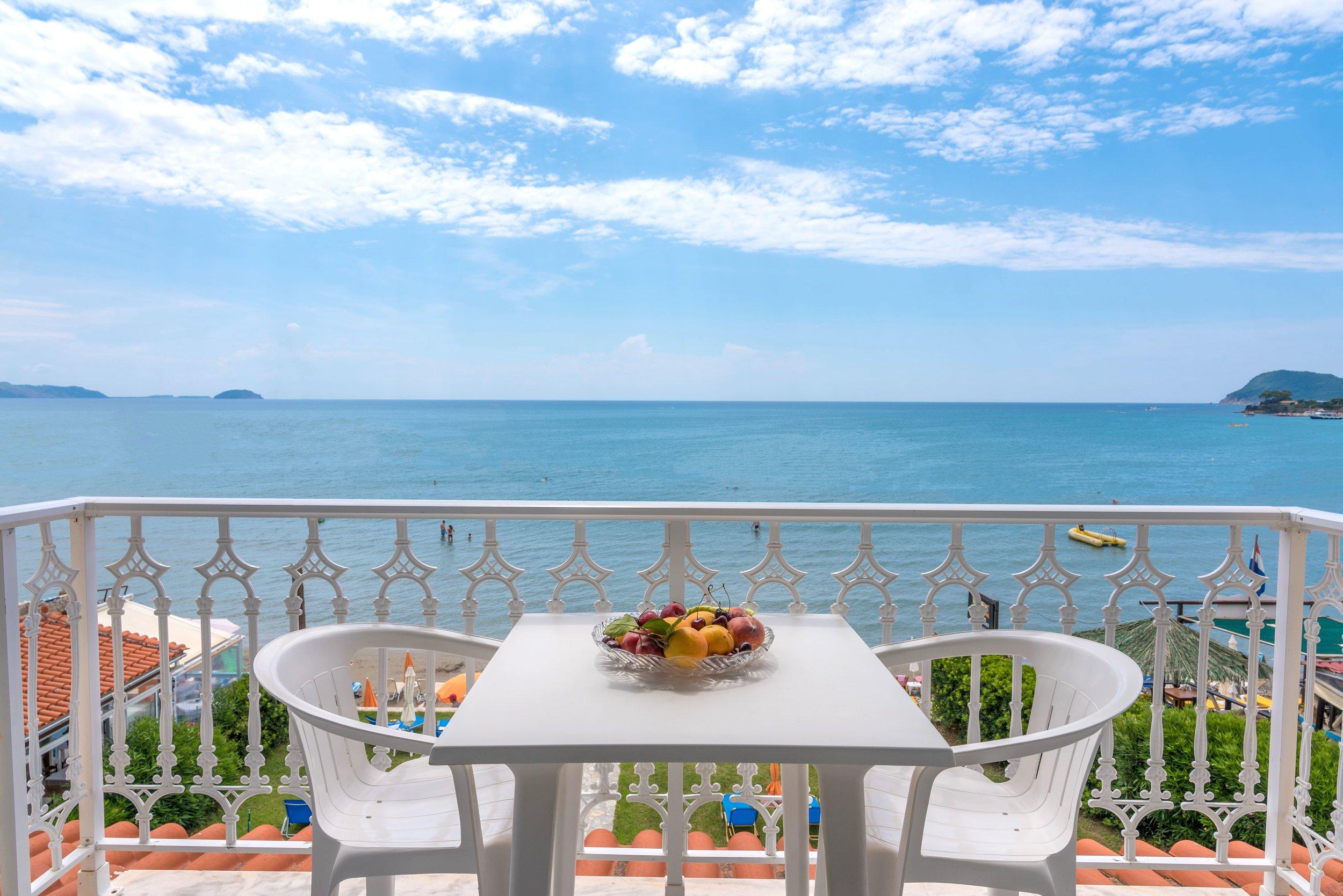 balcony-2-min.jpg