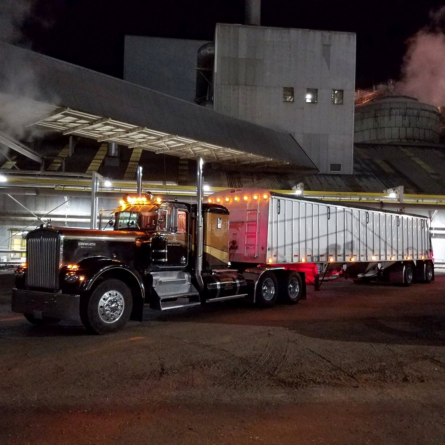Photo by Bates Trucking