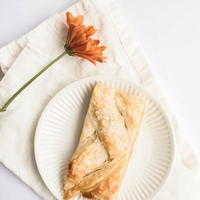 Current fav = apple strudel 👍🏼 What's your favourite winter dessert?