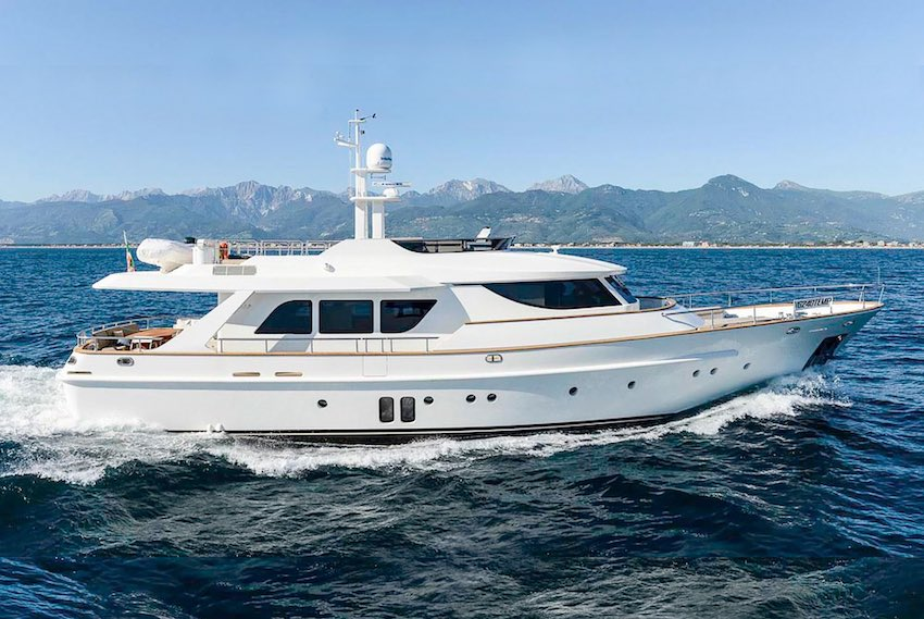 2013 EMYS Yacht 22 'Unica' - BAUDOUIN 450 CV • 450 HP • 1052 HOURS8 BERTHS IN 4 CABINS • 4 BATHROOMS + CREWITALY / €2.500,000 VAT PAID
