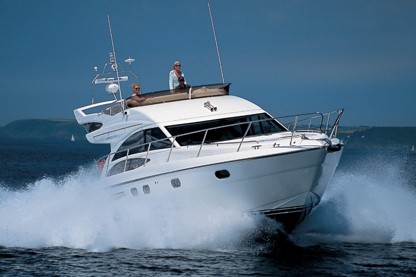 2009 PRINCESS 42 'FRINGUELLO' - VOLVO D6-435 • 435 HP • 397 HOURS4 BERTHS IN 2 CABINS • 2 BATHROOMSITALY / €295,000 VAT PAID